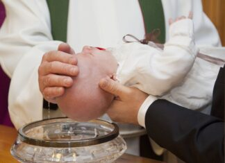 Ubranie na chrzciny